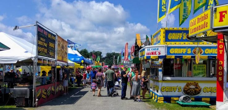 crowd at the Saratoga County Fair near the food vendors