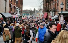 a crowd at saratoga chowderfest