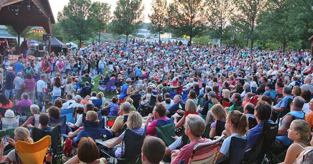 large crowd at freedom park concert
