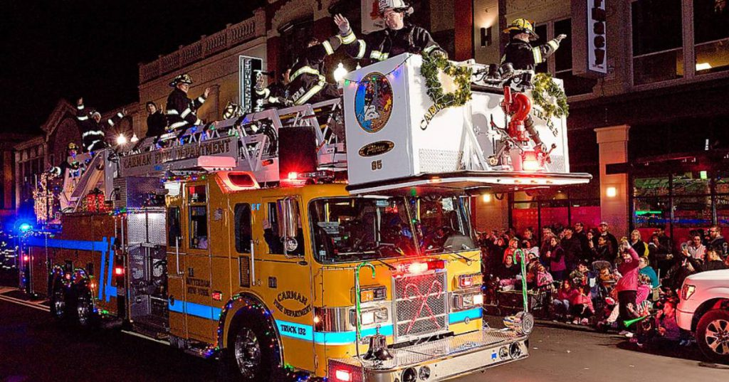 firetruck holiday parade