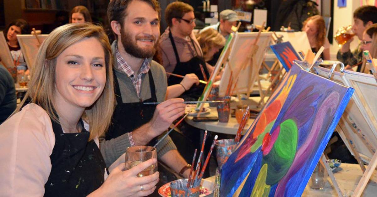 two people at paint and sip